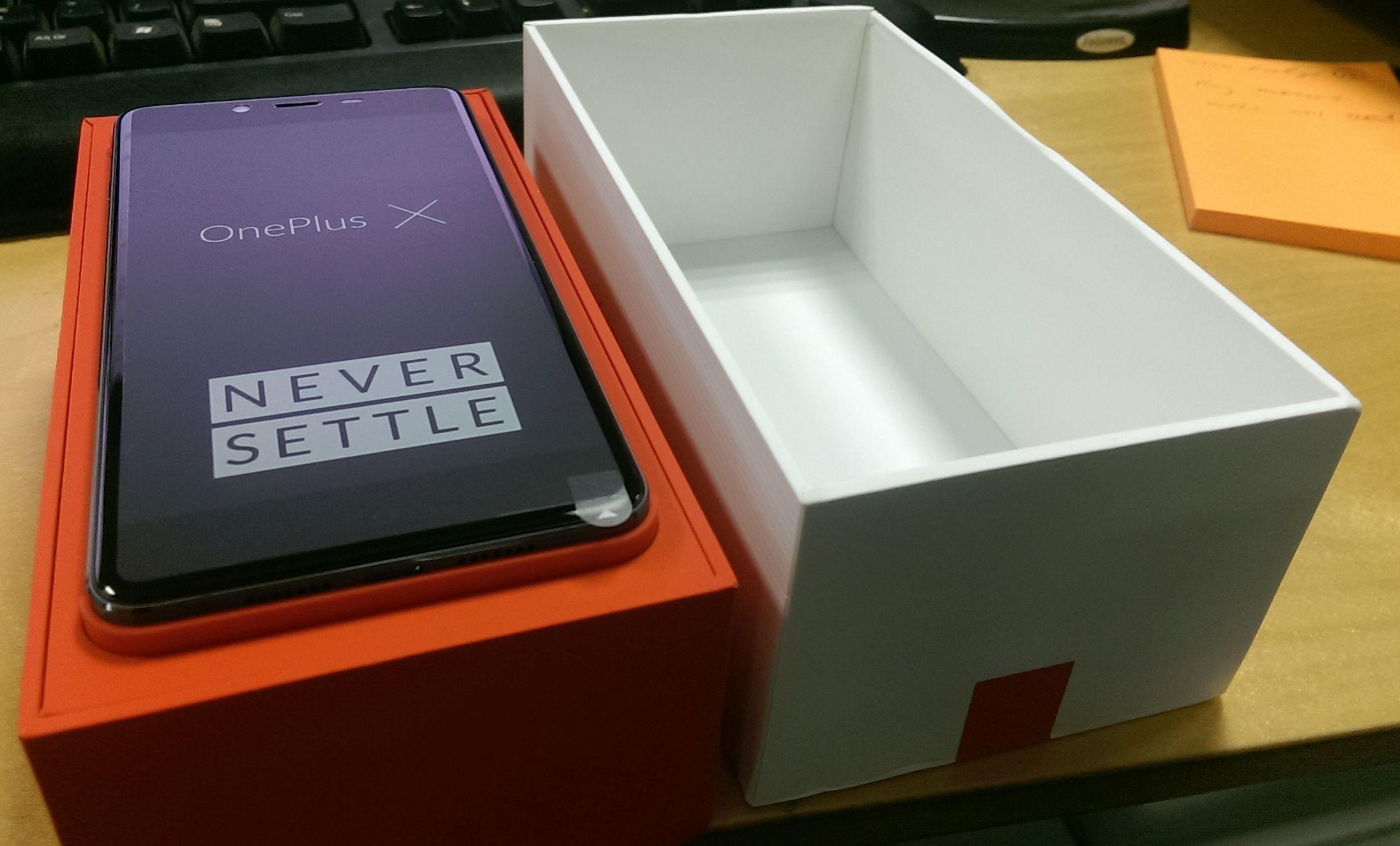 ONePlus X Opening